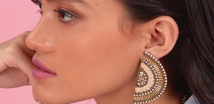 Earrings_Cover